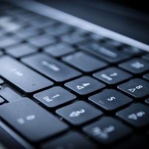 Branża IT: wyższa rotacja pracowników, mniejsza absencja i brak nadgodzin