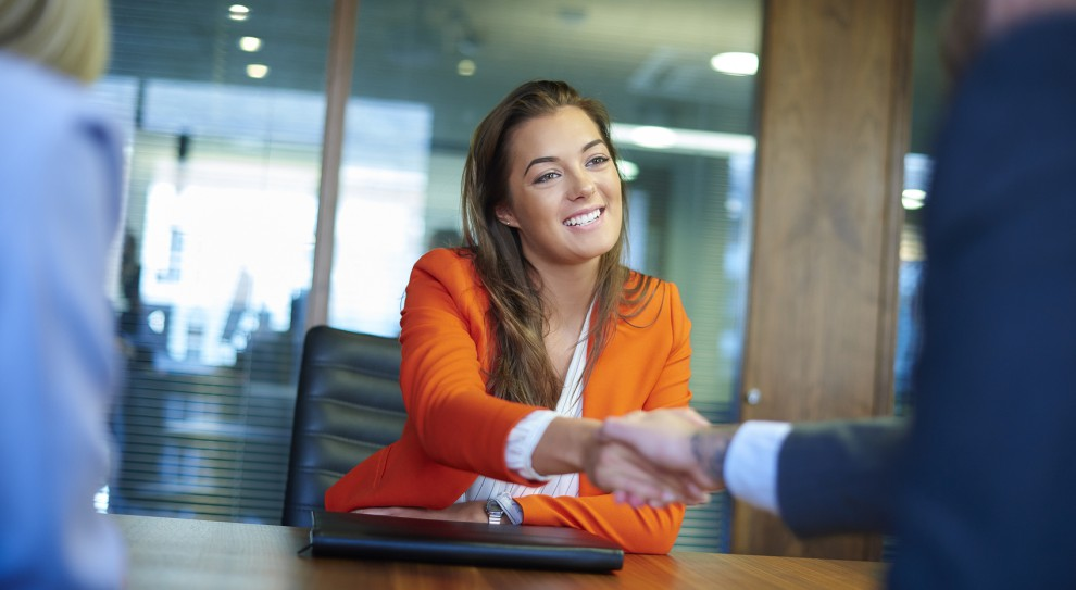 Ile zarabia specjalista ds. rekrutacji i selekcji, ile lider zespołu, a ile kierownik?