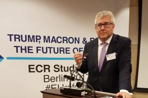 Europoseł: Na siłę imigrantów nam nie wcisną