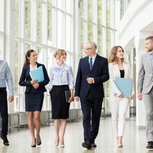 Oto 10 zasad, które pomogą kobietom wyglądać profesjonalnie w biznesie