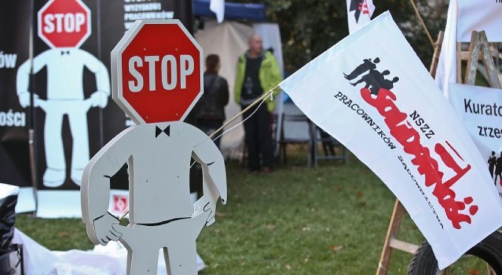 Protest: Sądy w całej Polsce oflagowane. Pracownicy chcą podwyżek