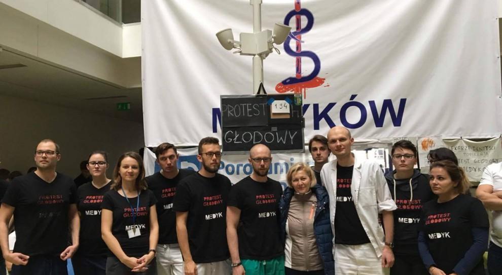 Lekarze rezydenci wznawiają protest głodowy