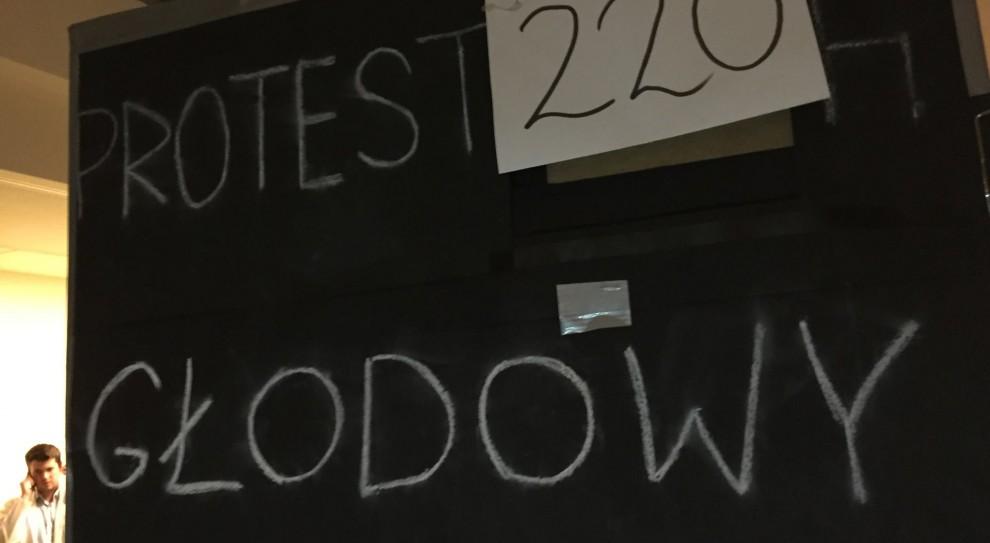 Lekarze rezydenci o propozycji Beaty Szydło: To utrzymanie status quo