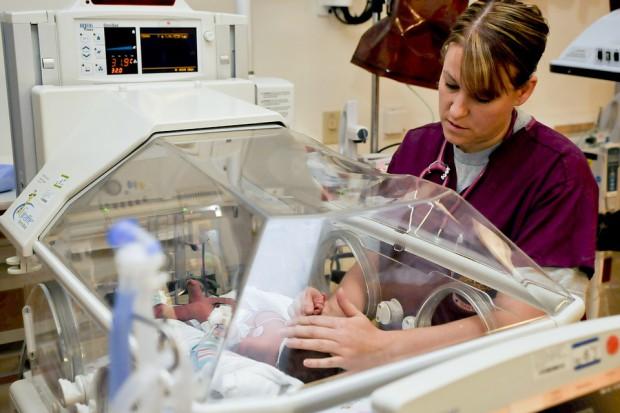 Pielęgniarki i położne solidaryzują się z rezydentami