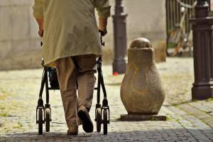 Senat przyjął zmiany w przyznawaniu najniższych emerytur