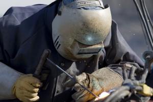 Inżynier elektryk i spawacz na liście deficytowych zawodów