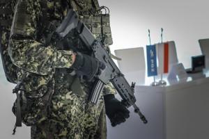 """Fabryka Broni """"Łucznik"""" wznawia produkcję kultowego pistoletu. Poszukuje chętnych do pracy"""