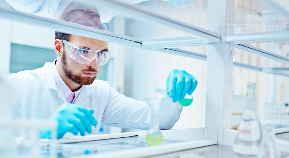 Brak kadr medycznych wpływa na ograniczenie wydolności laboratoriów