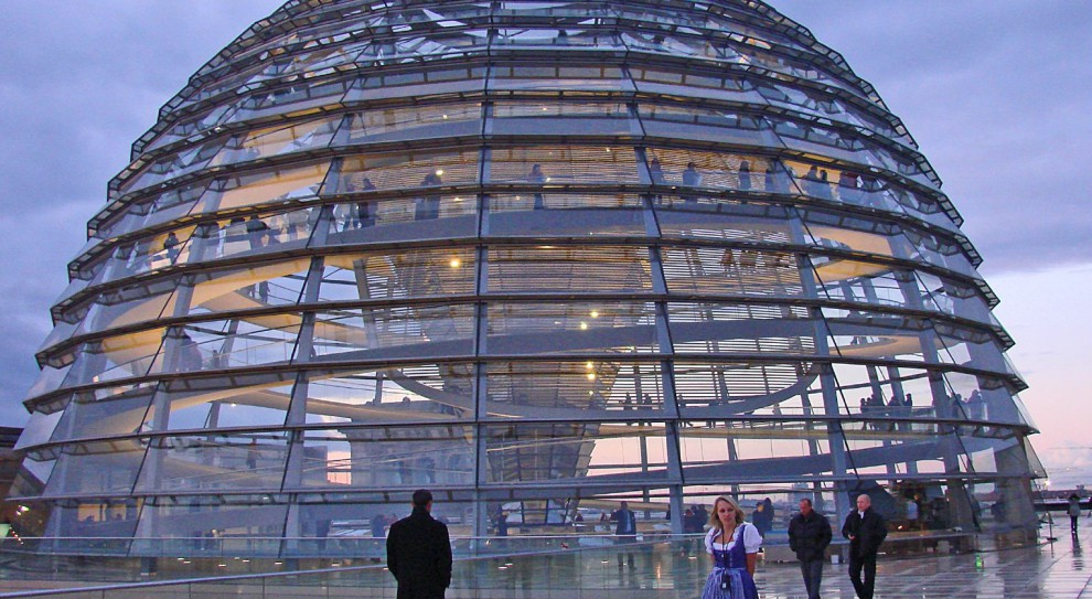 Niemcy. Bundestag: Eksperci sugerują rządowi w Berlinie rezygnację z 8-godzinnego dnia pracy