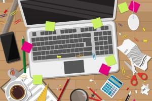 Niebezpieczna praca przy biurku: Przez te błędy pracownik naraża firmę