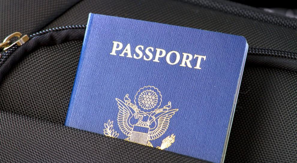 Cudzoziemcy podrabiają polskie paszporty by mieć lepszą pracę