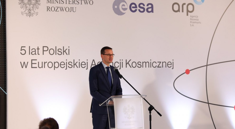 Mateusz Morawiecki: Więcej pieniędzy na przemysł kosmiczny
