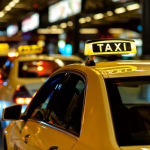 Taksówkarze w całym kraju strajkują