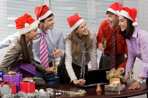 Kim jest statystyczny firmowy Święty Mikołaj?