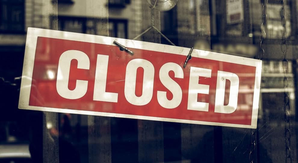 Zakaz handlu w niedziele: Pensje pracowników będą spadać