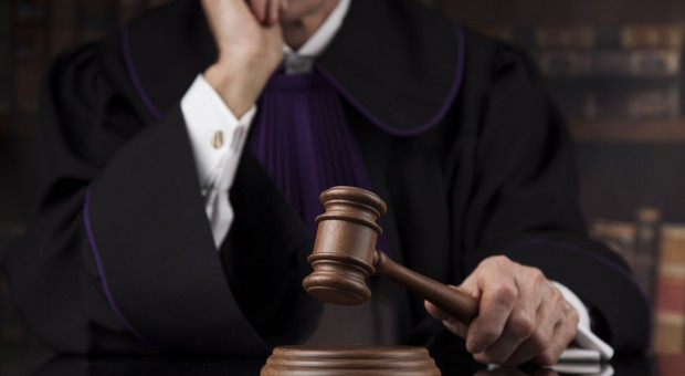 Sędzia z zakazem wykonywania zawodu. Za łapówki