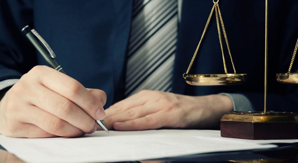 Aplikacja prawnicza: Łatwiej będzie zostać adwokatem i radcą prawnym