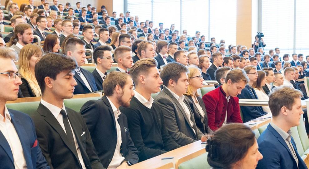 Jakie studia wybrali młodzi? Ministerstwo nauki podsumowało wyniki rekrutacji