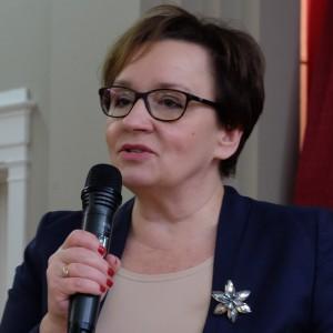 Zalewska: Dziękuję wolontariuszom za ich bezinteresowną pracę