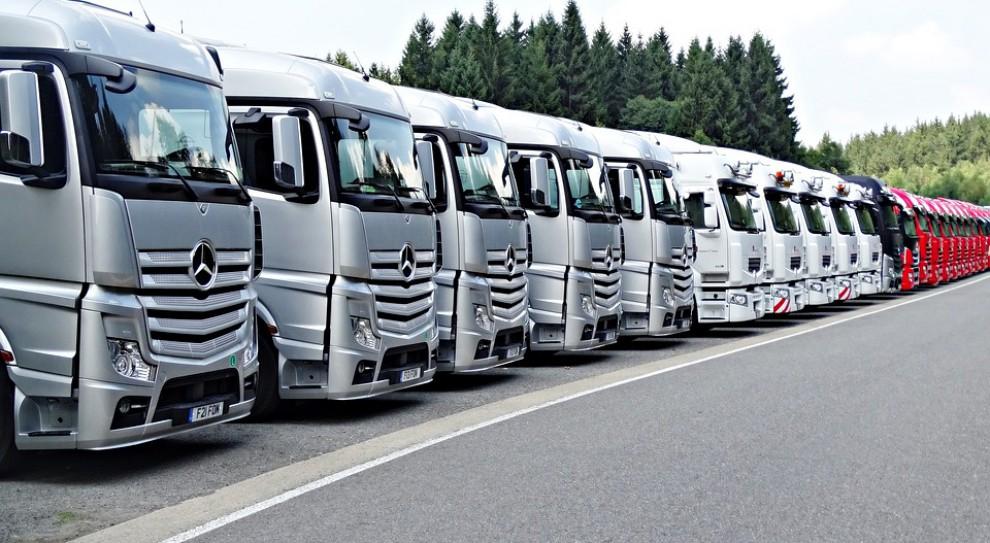 Firmy transportowe inwestują w rozwiązania monitorujące na bieżąco trasę i pracę kierowców