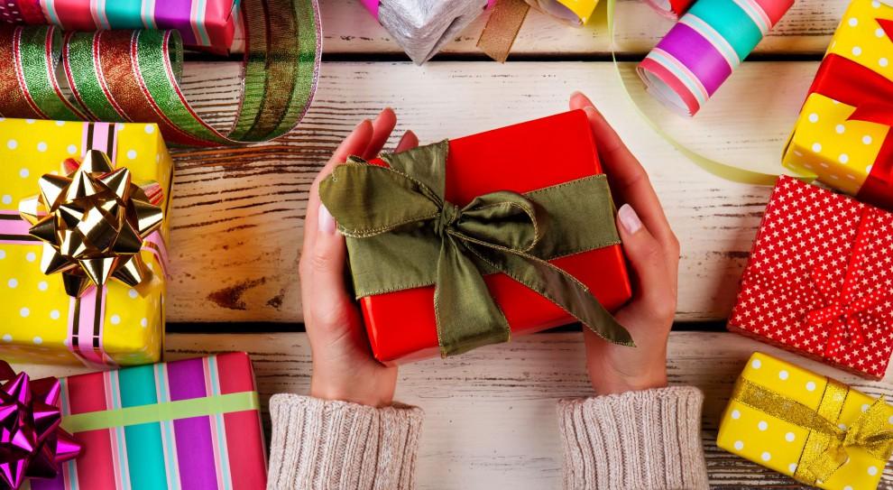 Boże Narodzenie: Ile pracodawcy przeznaczą na świąteczne prezenty i premie dla pracowników?