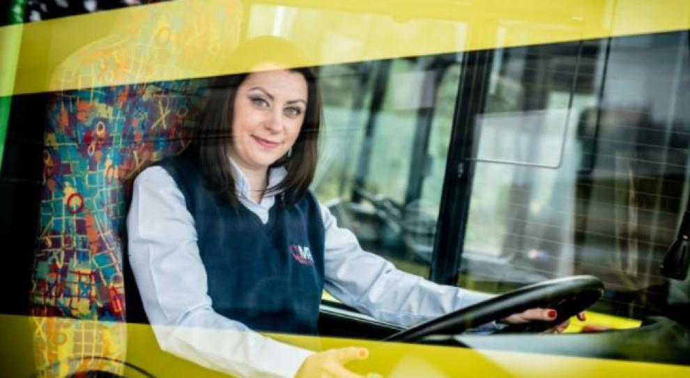 """MPK w Gnieźnie rekrutuje. """"Kierowca autobusu to zawód dla kobiet!"""""""