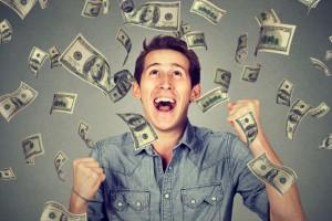 Pensje menedżerów i specjalistów rosną dwa razy szybciej niż średnia