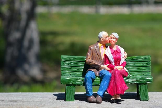 Obniżenie wieku emerytalnego: ZUS przyjął już 400 tys. wniosków
