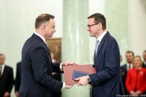 Trzy stanowiska w jednych rękach. Mateusz Morawiecki nie jest gotowy do zmian personalnych?