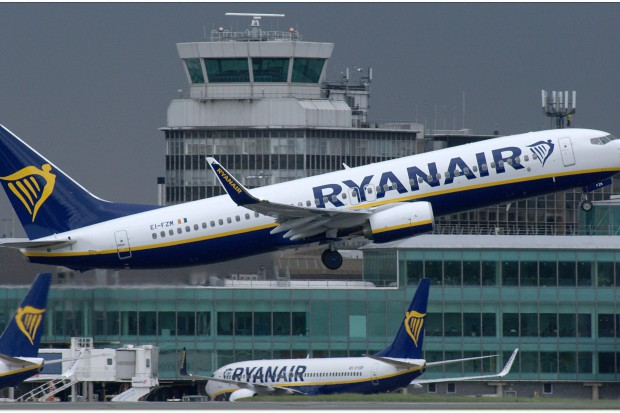 Piloci linii Ryanair są bliscy strajku