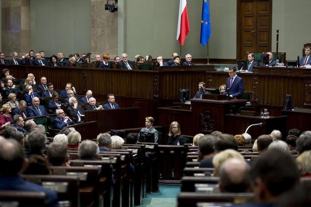 Mateusz Morawiecki w expose: Potrzebna jest wyższa efektywność i wyższa płaca