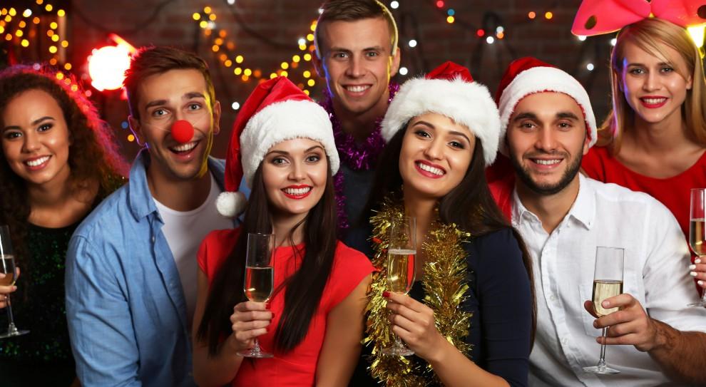 Boże Narodzenie: Jak ubrać się na firmową wigilię?
