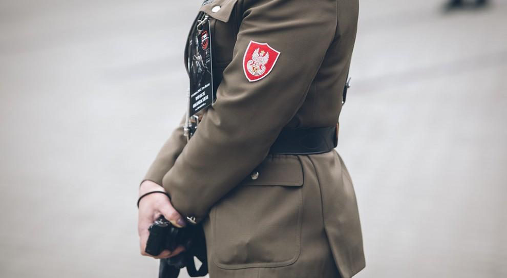 Andrzej Rozenek: 250 tys. podpisów pod projektem przywracającym emerytury mundurowym