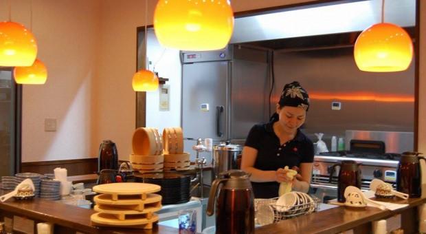 W tokijskiej restauracji zjesz posiłek za 50 minut pracy