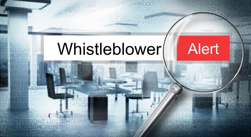 Whistleblowing. Outsourcing zgłaszania nieprawidłowości sposobem ochrony sygnalistów
