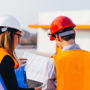 Projektant i inżynier coraz częściej w spódnicy