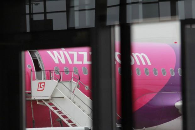 Wizz Air zwiększa zatrudnienie i szkoli pilotów