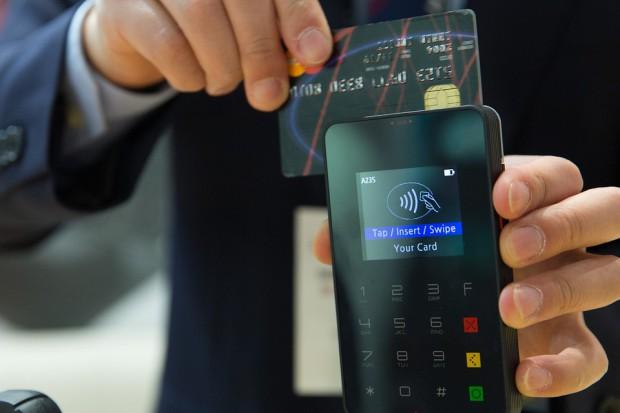 Oferowali pracę, by wyłudzić dane osobowe do kredytów