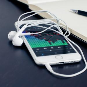 Firma dostarczająca częsci do iPhone'ów wykorzystuje pracowników?
