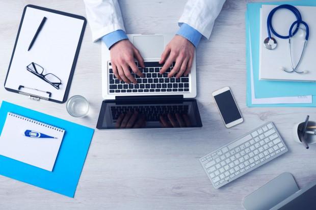 Przez biurokrację lekarze nie mają czasu dla pacjenta. Ale jest rozwiązanie