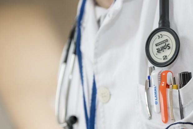 Ministerstwo wraca do rozmów z lekarzami - rezydentami