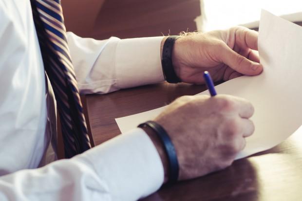 Oświadczenie majątkowe lub… rezygnacja z pracy? Nowe przepisy od 1 marca