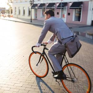 Zachęcają pracowników do jazdy na rowerze. Efekt? Mniej zwolnień lekarskich