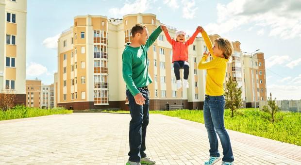 Nowoczesna: 250 zł na każde dziecko, ale rodzic musi pracować