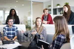 Jak przyciągnąć pracownika z innej firmy? Te benefity zachęcają do zmiany pracy