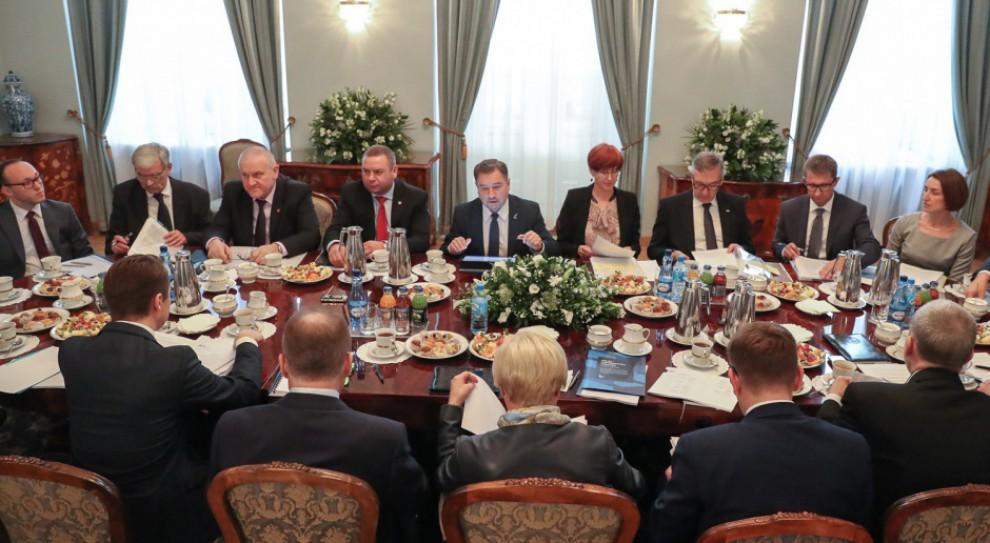 Rada Dialogu Społecznego po nowemu. Andrzej Duda skierował do Sejmu projekt ustawy