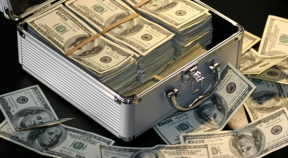 Firmy w USA tracą 100 miliardów dolarów rocznie, bo... pracownicy nic nie robią