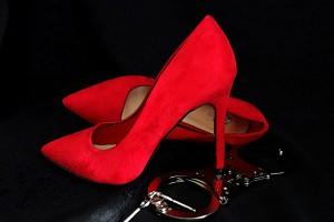 Siedem osób w areszcie. Zmuszali kobiety do prostytucji