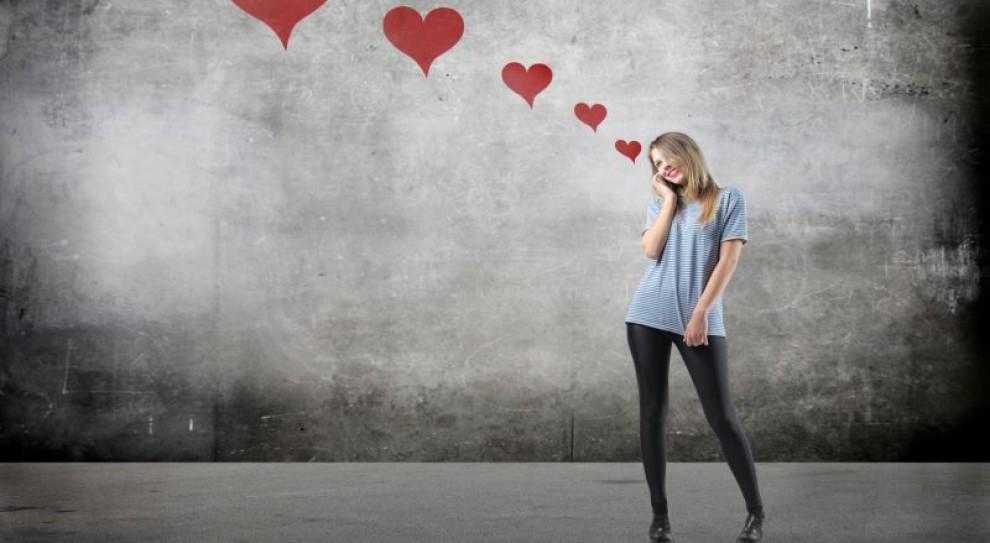 Walentynki, Dzień Zakochanych: Miłość w pracy. Więcej z niej szkody niż pożytku?