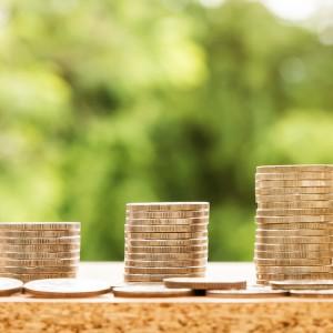 Firmy podnoszą wynagrodzenia ze... strachu